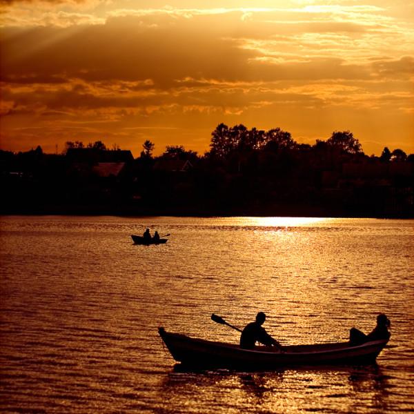 Boatride in Gold